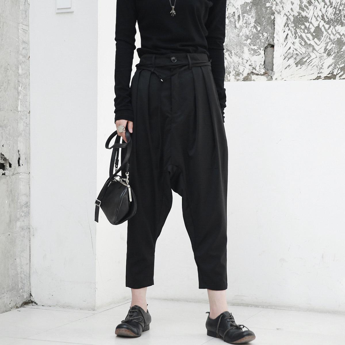 休闲裤 SIMPLE BLACK 暗黑风简约腰带装饰吊裆九分女士休闲裤_推荐淘宝好看的女休闲裤