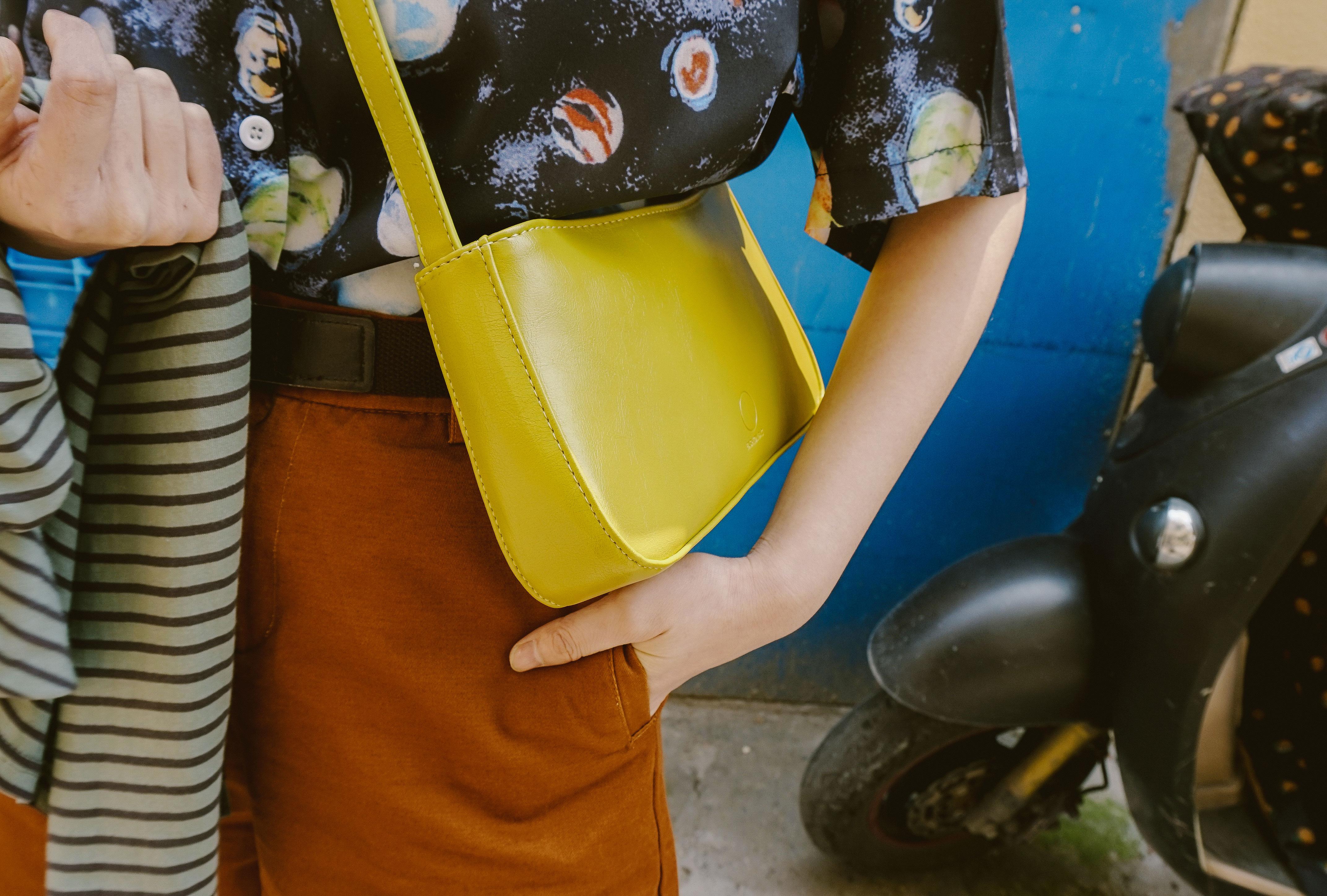 黄色斜挎包 辛德瑞拉工作室|黄色斜挎包小包女新款时尚百搭洋气单肩手提包潮_推荐淘宝好看的黄色斜挎包