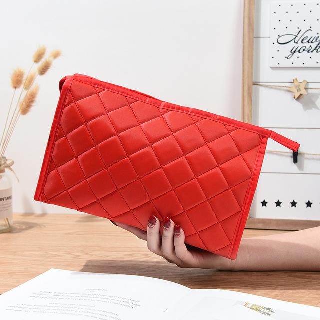 红色手拿包 韩版菱格化妆包女软包防水黑色大容量洗漱包收纳袋手拿包红色小包_推荐淘宝好看的红色手拿包