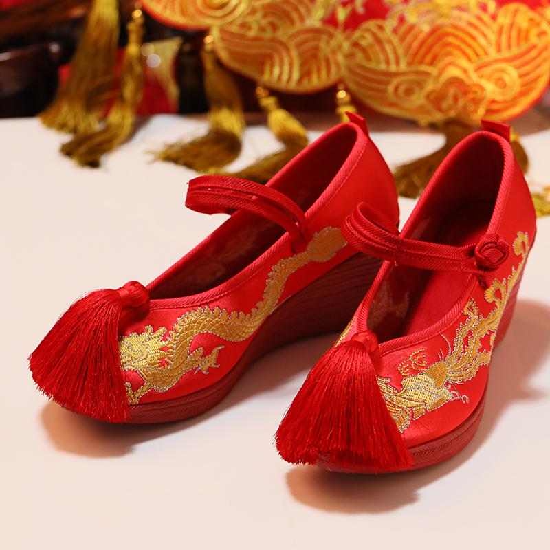 红色高跟鞋 刺绣秀禾鞋婚鞋中式绣花新娘鞋高跟粗跟流苏复古龙凤鞋红色绣花鞋_推荐淘宝好看的红色高跟鞋