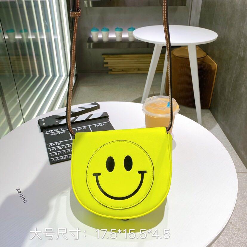 黄色贝壳包 包包女包2021新款明星同款可爱黄色笑脸包女斜挎半圆马鞍包贝壳包_推荐淘宝好看的黄色贝壳包