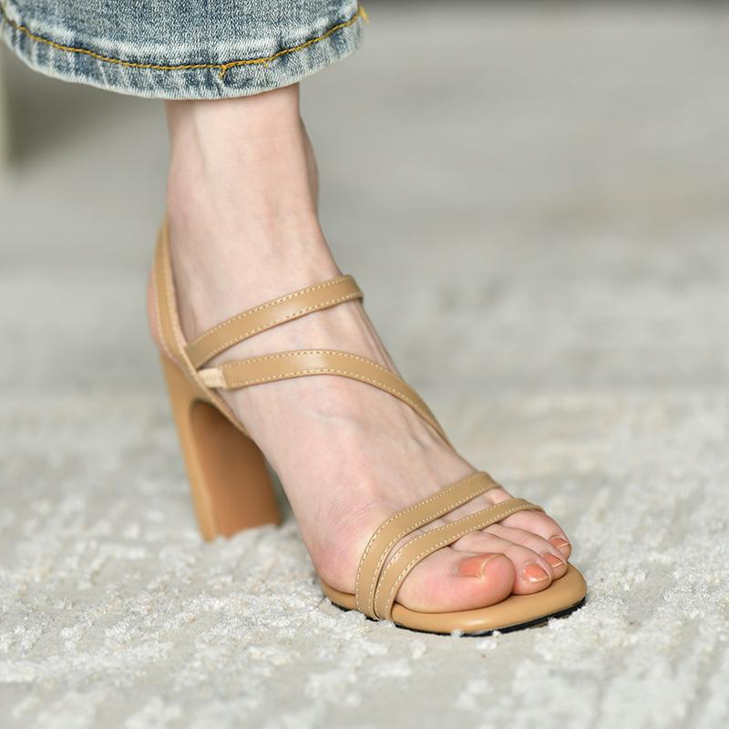 黑色罗马鞋 皮厚先生 黑色真皮高跟凉鞋女夏季2020年新款 粗跟气质女性罗马鞋_推荐淘宝好看的黑色罗马鞋