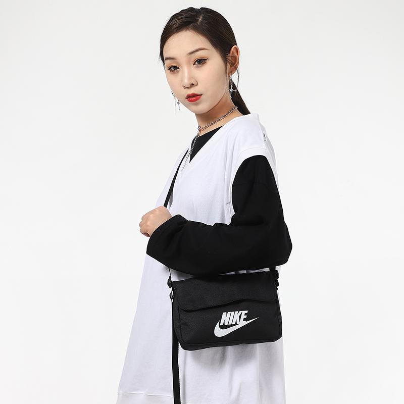 耐克单肩包 NIKE耐克斜挎包女2021新款包包运动包单肩包学生书包小包男CW9300_推荐淘宝好看的女耐克单肩包