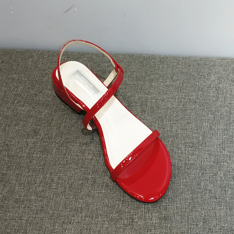 红色罗马鞋 2020夏季新款红色凉鞋一字型搭扣罗马休闲鞋漆皮亮面粗跟鞋中高跟_推荐淘宝好看的红色罗马鞋