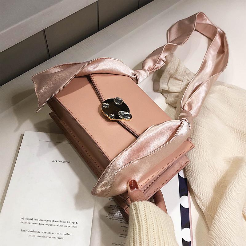 白色手提包 上新法国小众小包包女2020新款夏天洋气简约小方包时尚手提单肩包_推荐淘宝好看的白色手提包