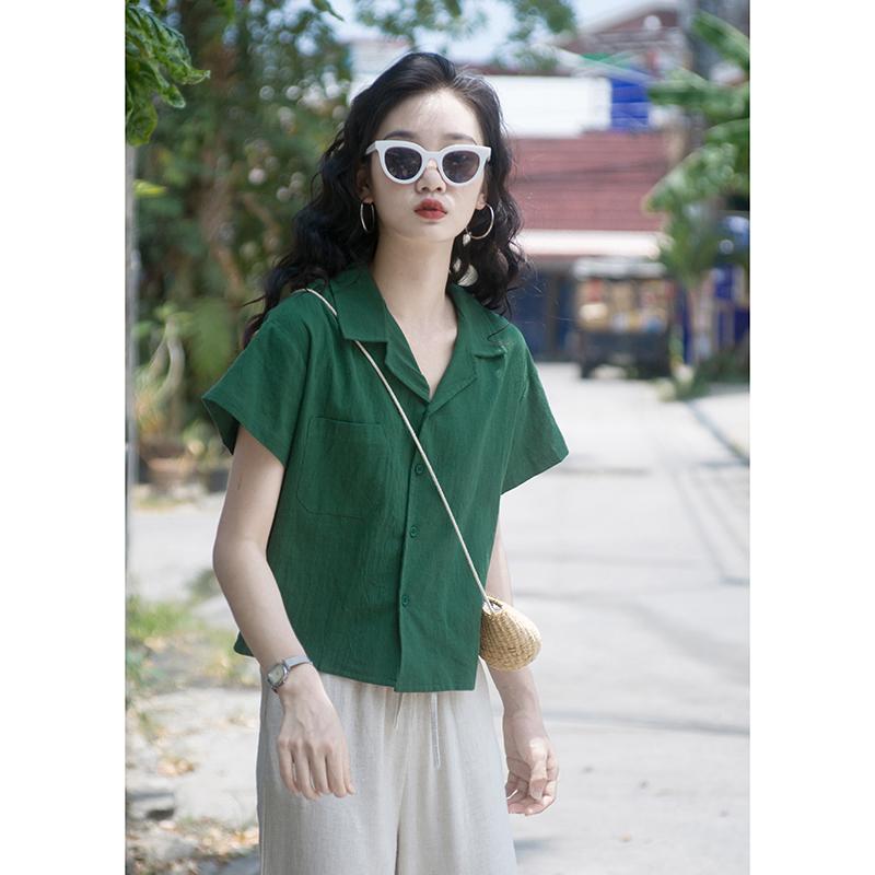 绿色衬衫 夏季新款韩版宽松百搭复古v领衬衫女港味小个子短款绿色棉麻上衣_推荐淘宝好看的绿色衬衫