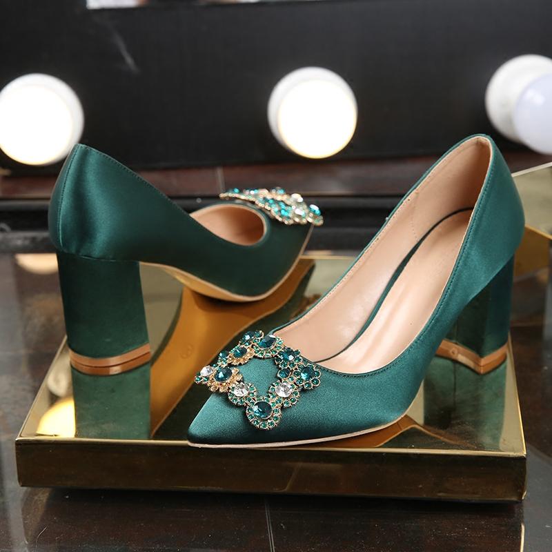 绿色单鞋 婚鞋女2019春季新款 绿色新娘鞋粗跟高跟鞋水钻结婚鞋子孕妇单鞋_推荐淘宝好看的绿色单鞋