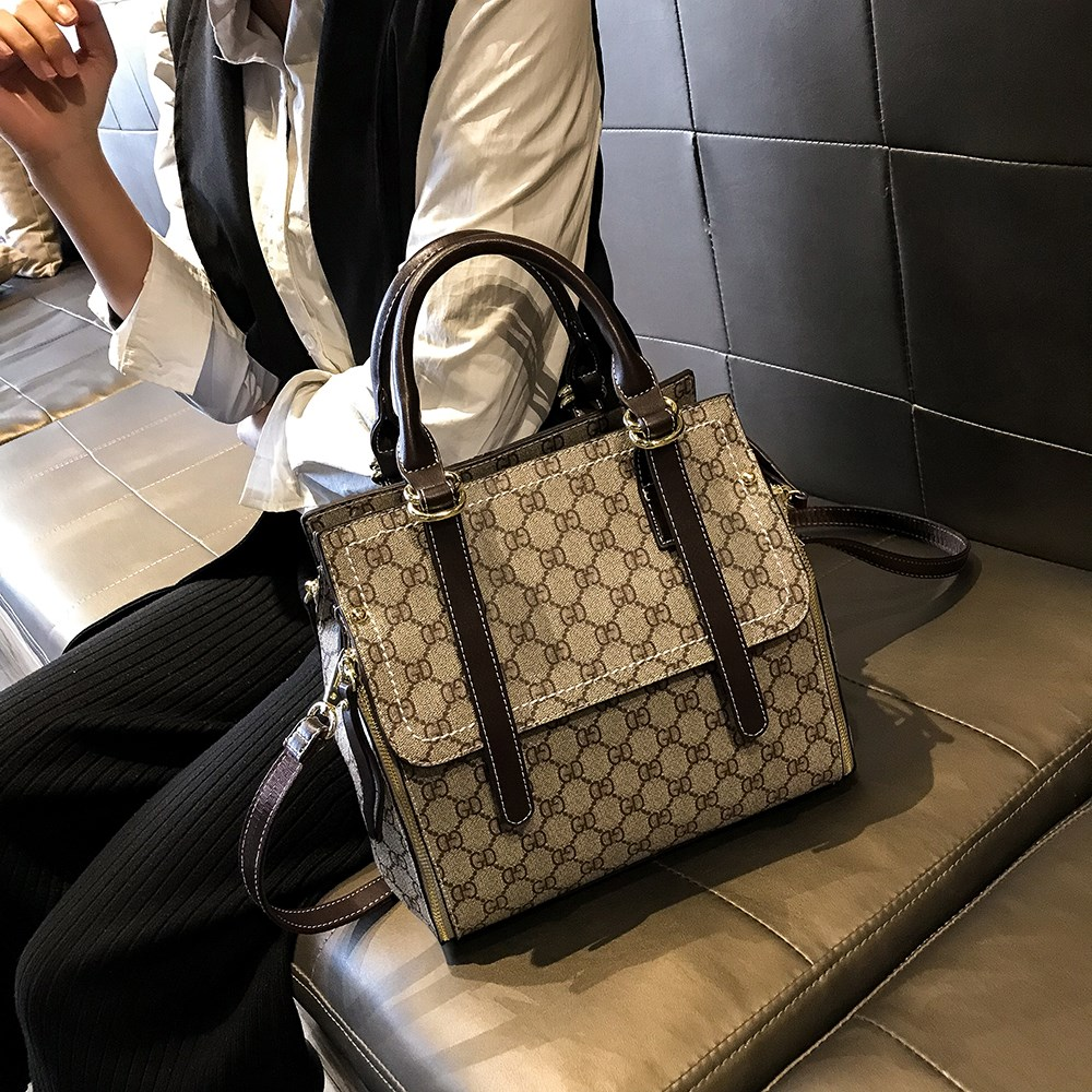 女式英伦手提包 2018早春新款时尚大气手提包简约百搭单肩英伦大牌女士包包_推荐淘宝好看的女英伦手提包