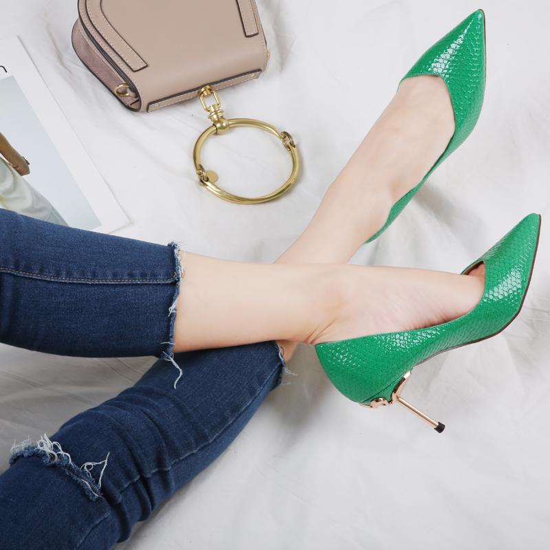 绿色尖头鞋 罗子君细跟高跟鞋女2017秋季新款女鞋蛇纹尖头单鞋绿色我的前半生_推荐淘宝好看的绿色尖头鞋