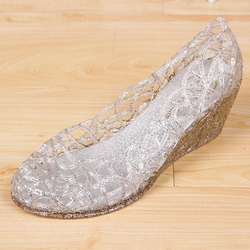 水晶坡跟鞋 夏季新款水晶超软坡跟女凉鞋镂空鸟巢塑料沙滩鞋时尚百搭妈妈凉鞋_推荐淘宝好看的水晶坡跟鞋