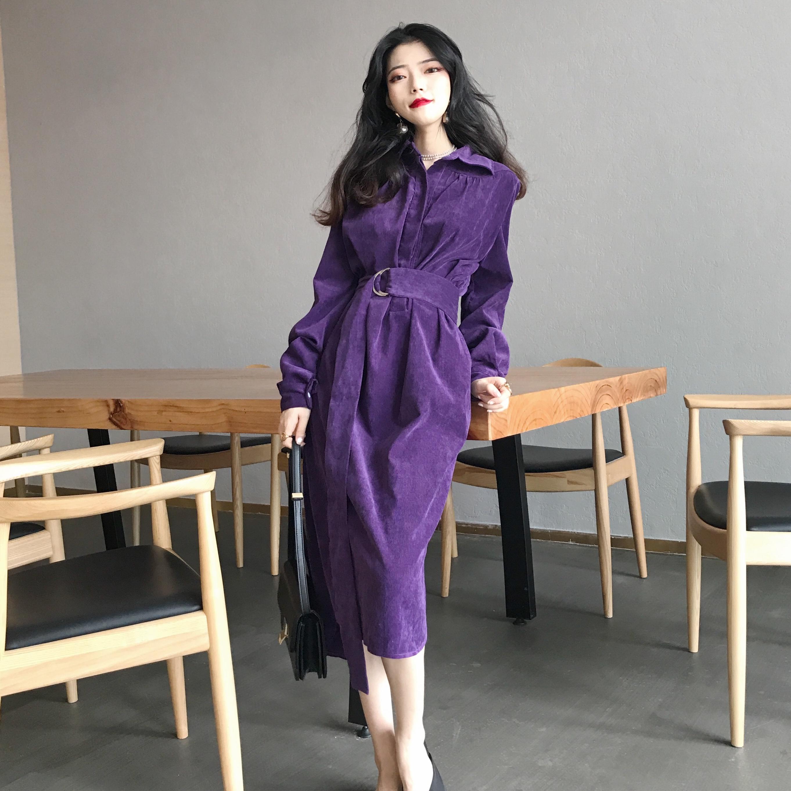 紫色连衣裙 秋装女2018新款新款复古修身显瘦纯色衬衣领灯芯绒中长款连衣裙潮_推荐淘宝好看的紫色连衣裙