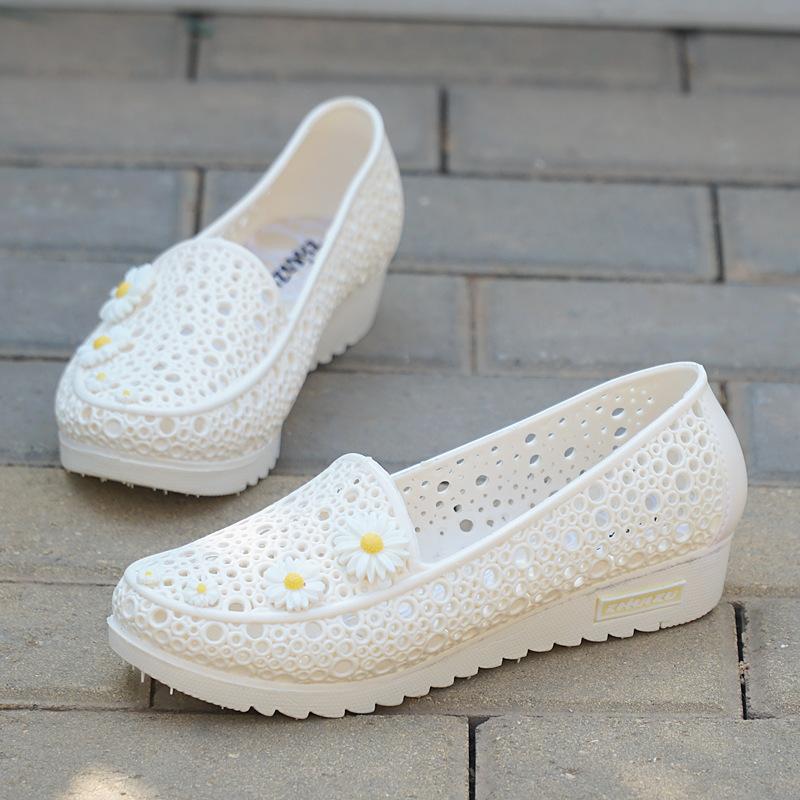 凉鞋孕妇坡跟鞋 夏天季新款坡跟白色护士凉鞋女塑料镂空孕妇妈妈工作洞洞防滑雨鞋_推荐淘宝好看的凉鞋孕妇坡跟鞋