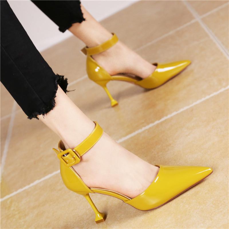 黄色高跟鞋 2018春夏新款尖头漆皮细跟高跟鞋黄色英伦风中空一字扣浅口单鞋女_推荐淘宝好看的黄色高跟鞋