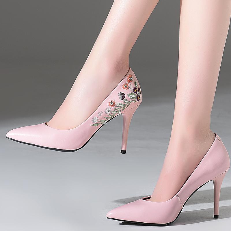 粉红色高跟鞋 高跟鞋女士尖头女鞋时尚2018春季新款细跟单鞋粉红色刺绣真皮鞋子_推荐淘宝好看的粉红色高跟鞋