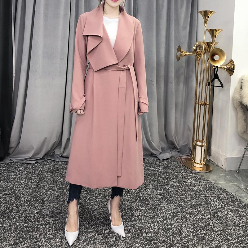 女士风衣外套 DY大英自制 春装款新品系带风衣女中长款荷叶大翻领垂性粉色外套_推荐淘宝好看的女风衣外套