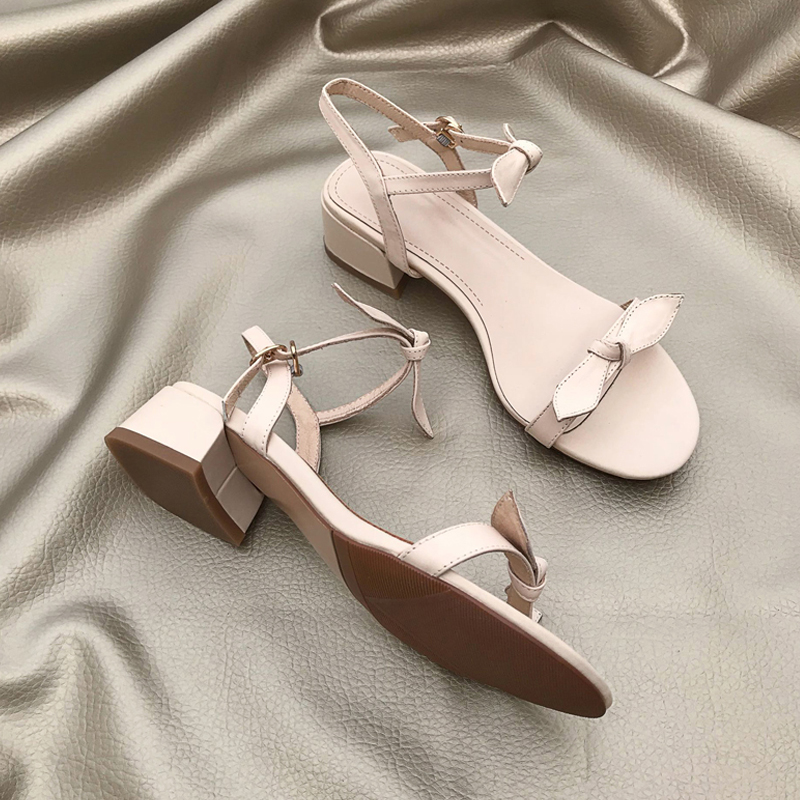 白色罗马鞋 2019新款网红真皮一字带粗跟中跟仙女白色蝴蝶结凉鞋女夏罗马大号_推荐淘宝好看的白色罗马鞋