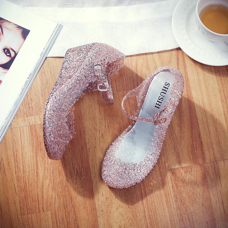 水晶坡跟鞋 洞洞鞋鸟巢坡跟女鞋塑料凉鞋水晶凉鞋女广场舞鞋妈妈中跟凉鞋_推荐淘宝好看的水晶坡跟鞋