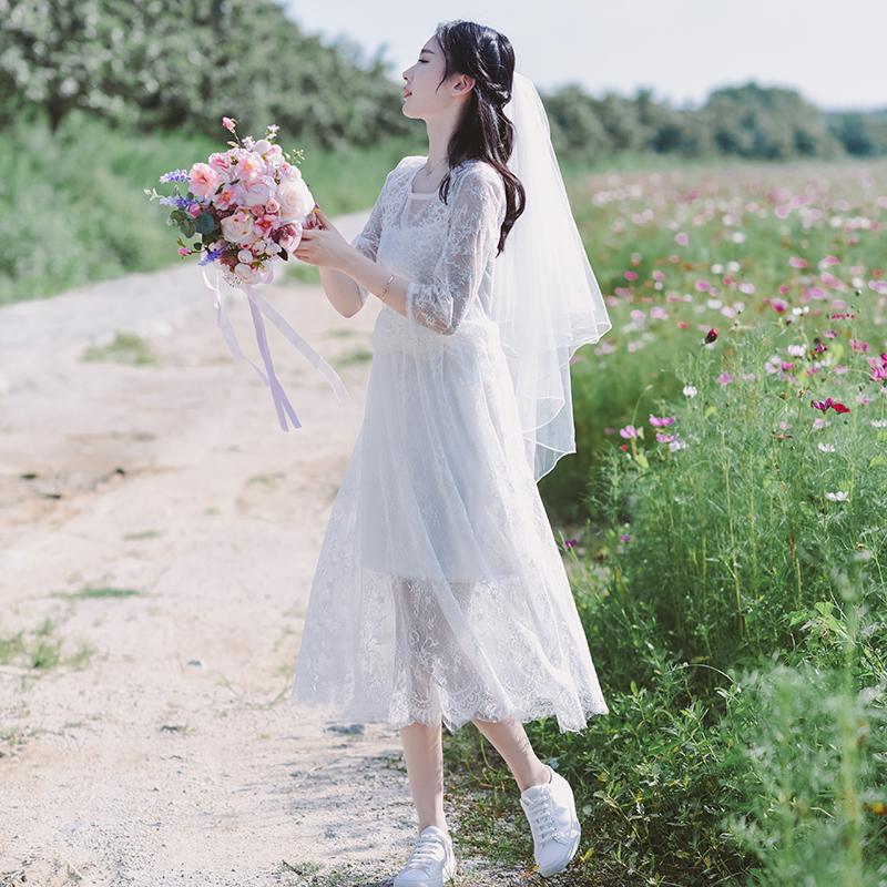 白色蕾丝连衣裙 [告白]夏仙女初恋复古清新蕾丝收腰中长款轻婚纱 白色旅拍连衣裙_推荐淘宝好看的白色蕾丝连衣裙