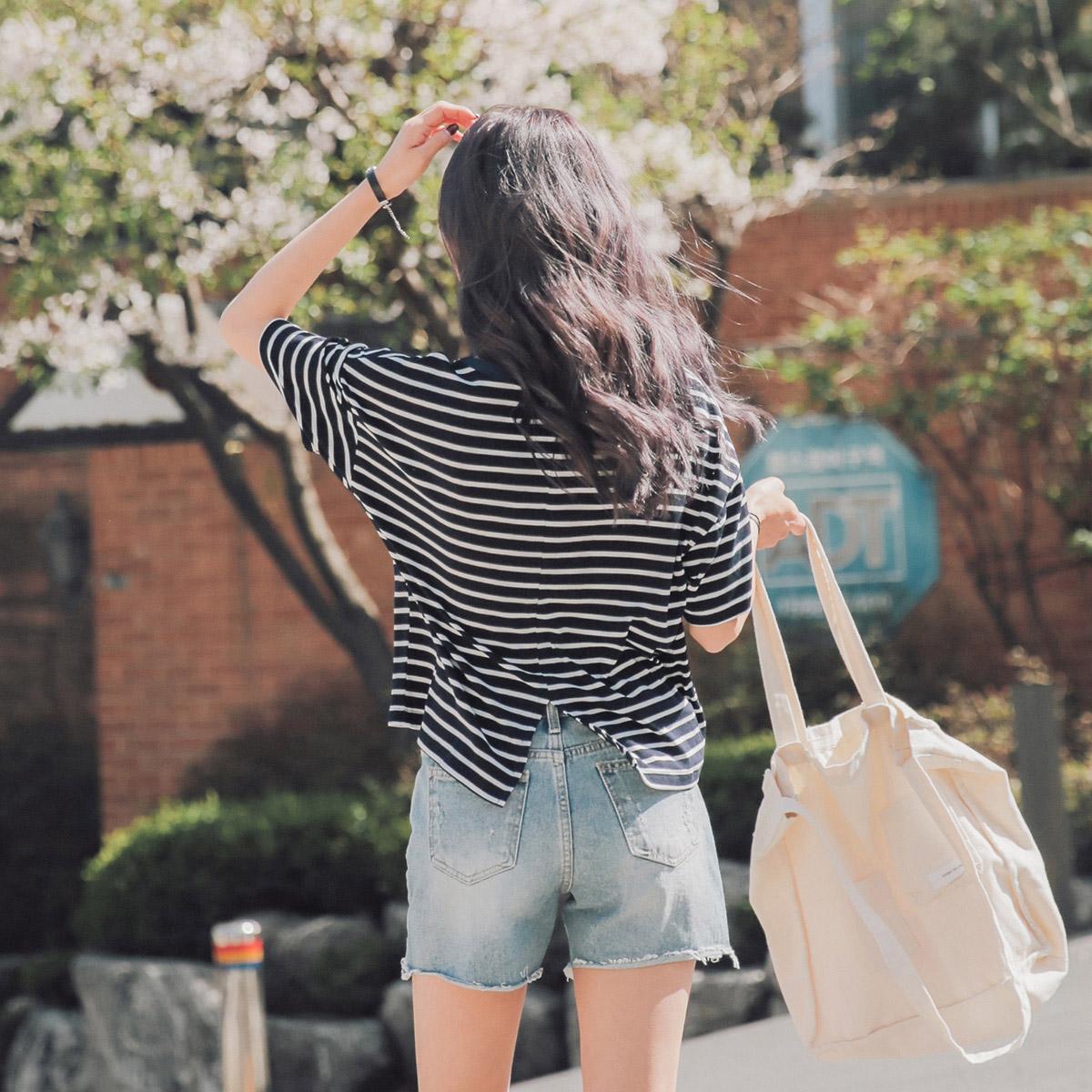 蓝白条纹t恤 2018夏装新款细横蓝白条纹开叉宽松短袖T恤女装韩版学生bf上衣潮_推荐淘宝好看的女蓝白条纹t恤