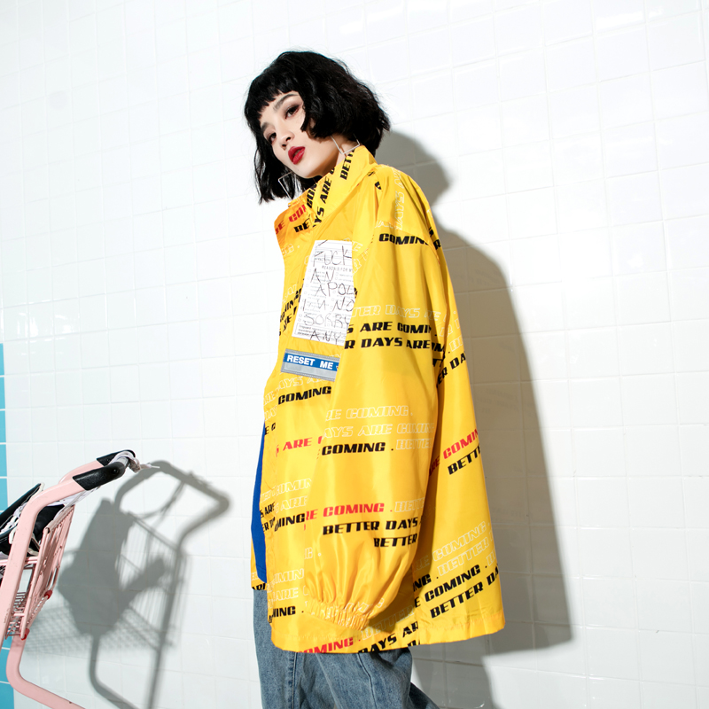 女装风衣外套 2018春装新款潮牌女装运动街头风字母印花oversize风衣外套_推荐淘宝好看的女装风衣外套