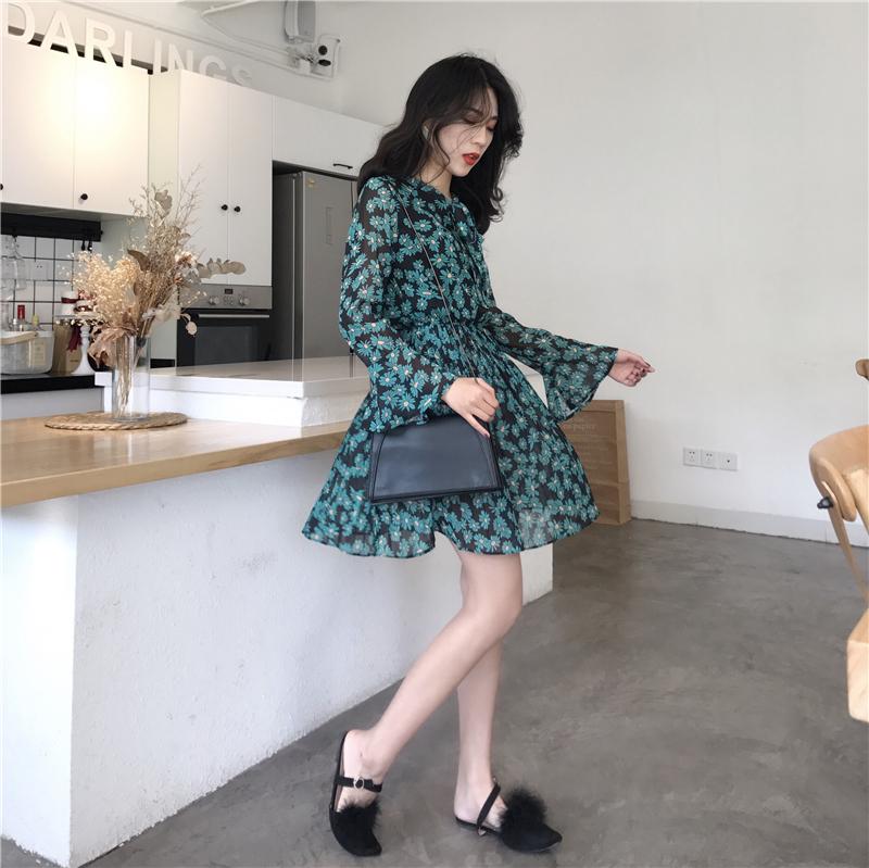 绿色连衣裙 2018春季新款韩国chic复古甜美气质百褶系带蝴蝶结领长袖连衣裙女_推荐淘宝好看的绿色连衣裙