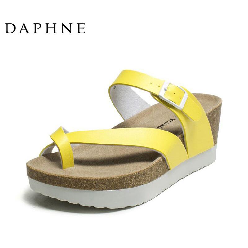 达芙妮厚底鞋 Daphne达芙妮夹趾女凉鞋经典坡跟厚底时尚舒适潮流欧美风女凉鞋_推荐淘宝好看的达芙妮厚底鞋
