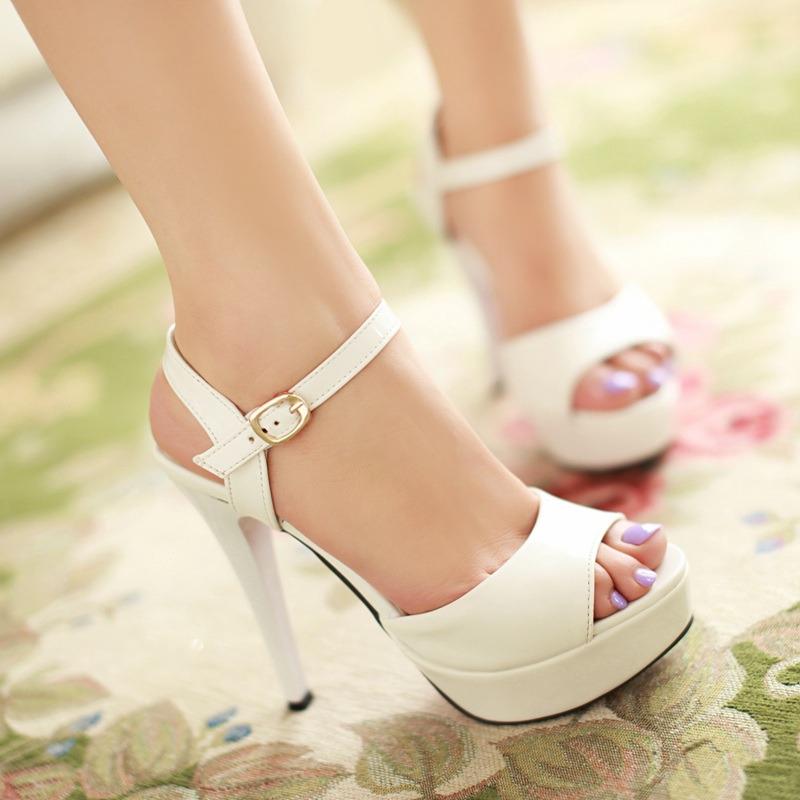 白色鱼嘴鞋 新款一字带凉鞋女夏季高跟鞋细跟鱼嘴鞋简约防水台白色大码女鞋子_推荐淘宝好看的白色鱼嘴鞋