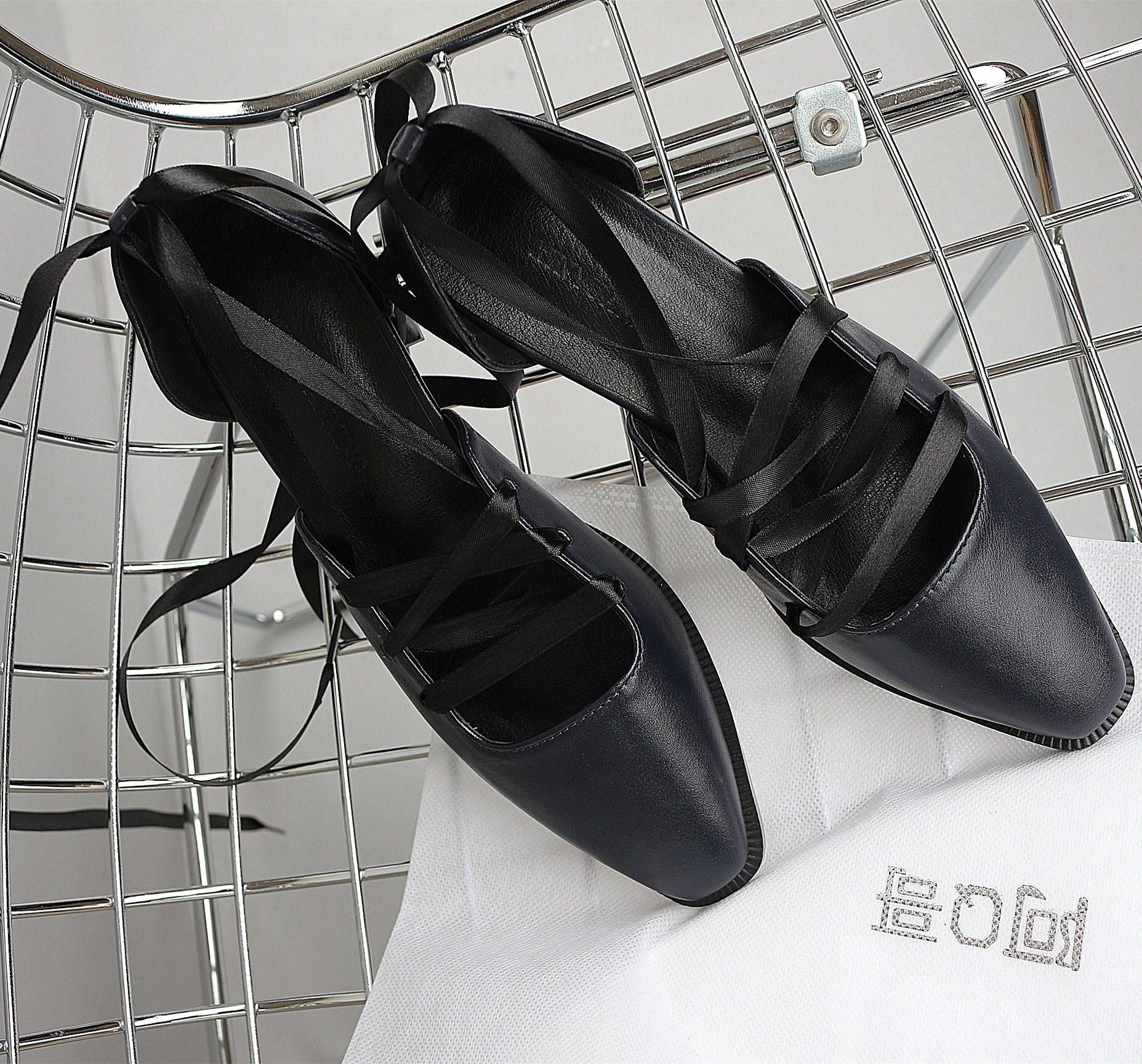 凉鞋 阿Q哥家很有个性的一款优雅舒适绑带款凉鞋 复古包头粗跟中跟女鞋_推荐淘宝好看的女凉鞋