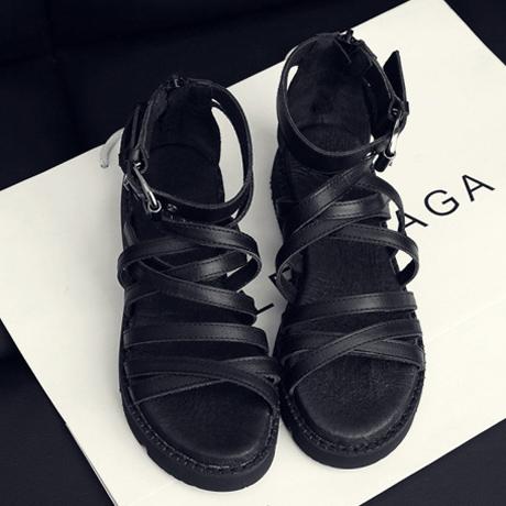 黑色罗马鞋 2018欧美黑色帅气真皮绑带厚底松糕凉鞋女罗马鞋夏季新款平底女鞋_推荐淘宝好看的黑色罗马鞋