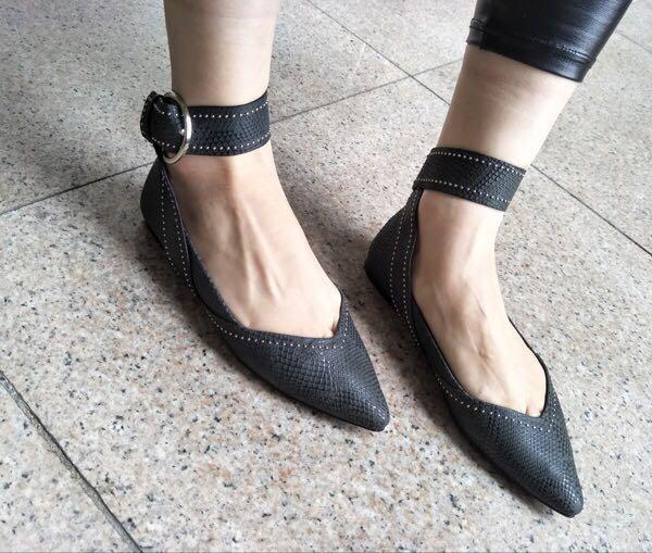 时尚单鞋 出口欧洲——2017黑色绑带尖头平跟气质时尚女单鞋_推荐淘宝好看的女时尚单鞋