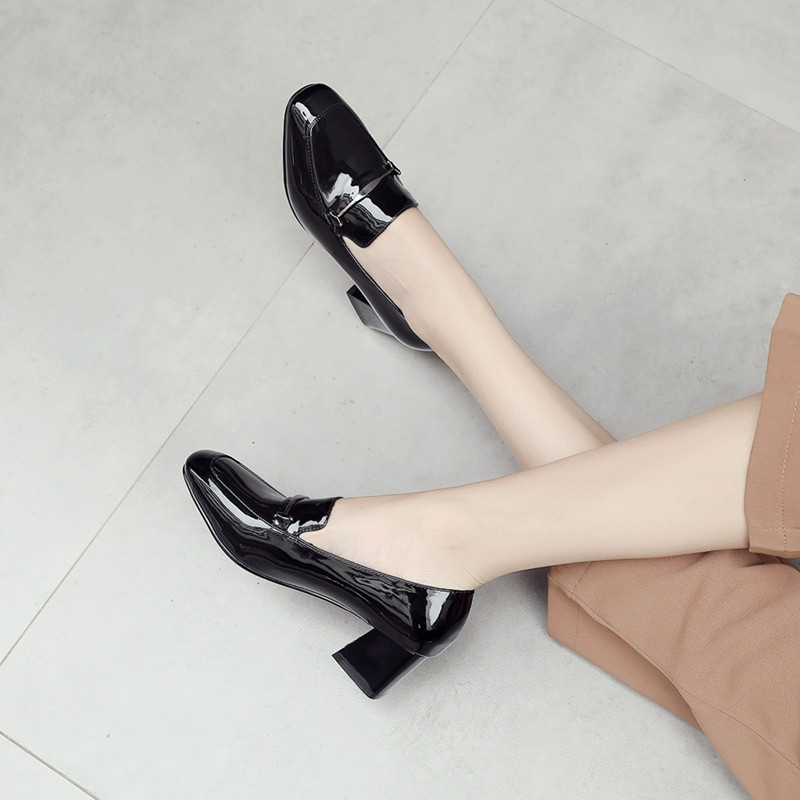 单鞋 2019春季新款欧美方头粗跟漆皮单鞋女鞋英伦中跟大码小皮鞋工作鞋_推荐淘宝好看的女单鞋