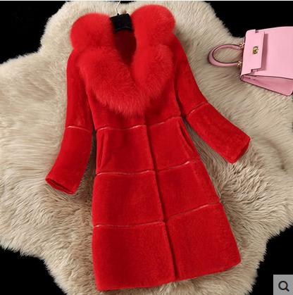 红色皮草 秋冬新款羊剪绒妈妈装仿狐狸毛皮草外套女中长款大衣显瘦新娘装_推荐淘宝好看的红色皮草