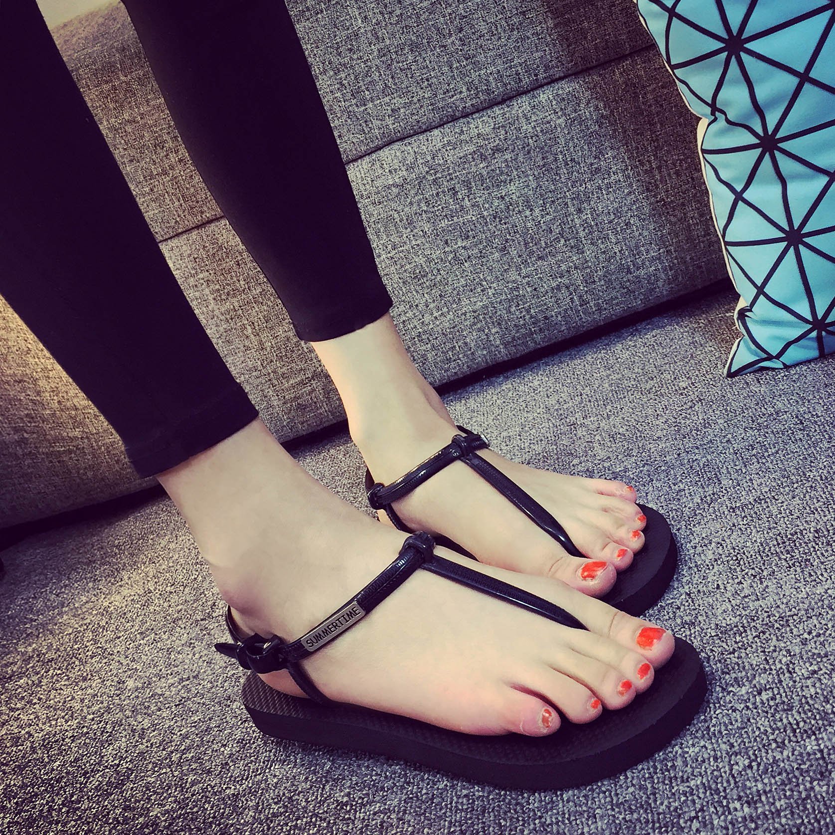 罗马鞋 包邮新品罗马平底夹脚人字拖鞋女夏韩版时尚学生凉鞋沙滩防滑女鞋_推荐淘宝好看的女罗马鞋