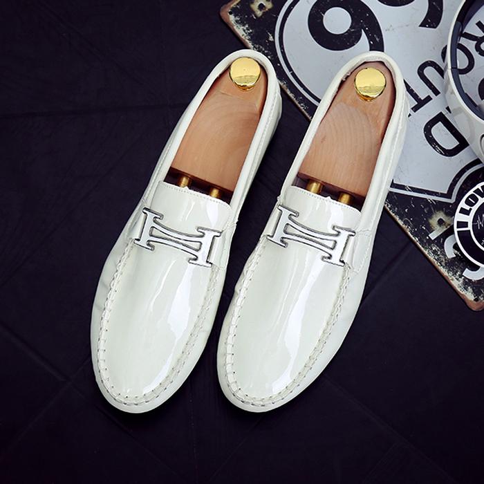 白色豆豆鞋 春夏季白色漆皮豆豆鞋男韩版潮流懒人鞋亮面男鞋英伦风亮皮小皮鞋_推荐淘宝好看的白色豆豆鞋