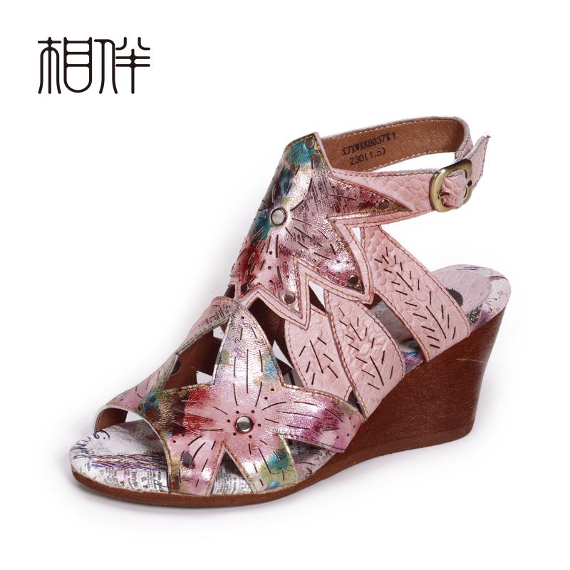 粉红色罗马鞋 夏新真皮牛皮女粉红色鱼嘴高坡跟民族风镂空彩绘印花罗马高帮凉鞋_推荐淘宝好看的粉红色罗马鞋