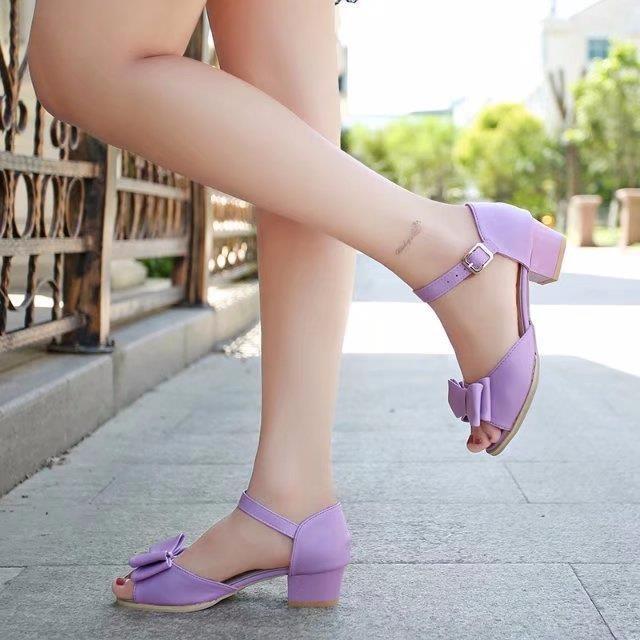 紫色凉鞋 幼儿镂空儿童凉鞋女公主鞋软底粗跟扣带坡跟沙滩鞋小女孩紫色时尚_推荐淘宝好看的紫色凉鞋