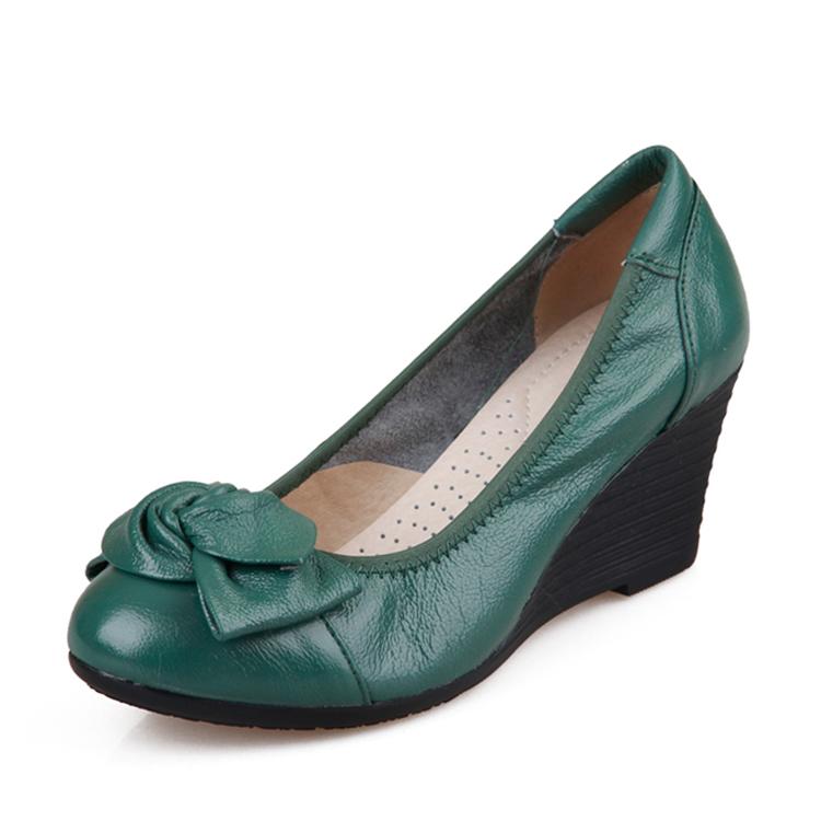 绿色坡跟鞋 真皮春季浅口女士高跟鞋坡跟中年女鞋34码绿色皮鞋蝴蝶结妈妈鞋子_推荐淘宝好看的绿色坡跟鞋