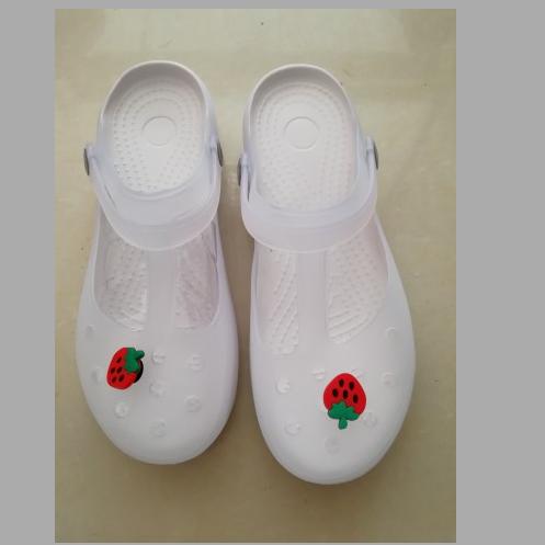 白色凉鞋 夏款护士鞋女洞洞凉鞋沙滩工作白色特大码41-42小码33-34防滑孕妇_推荐淘宝好看的白色凉鞋