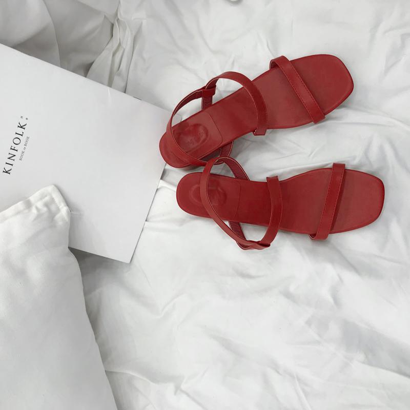 红色凉鞋 饭馆法式复古巨美红色凉鞋 极简设计一字带凉鞋女平底鞋_推荐淘宝好看的红色凉鞋
