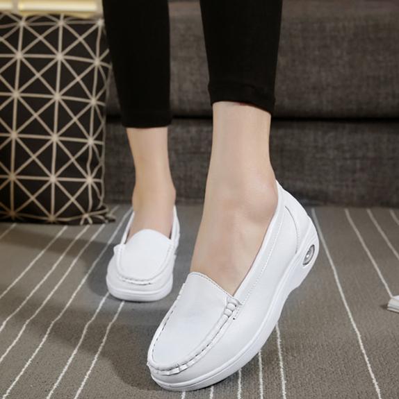 孕妇坡跟鞋 春秋气垫护士鞋白色真皮坡跟防滑小白鞋女休闲工作鞋孕妇妈妈鞋_推荐淘宝好看的孕妇坡跟鞋