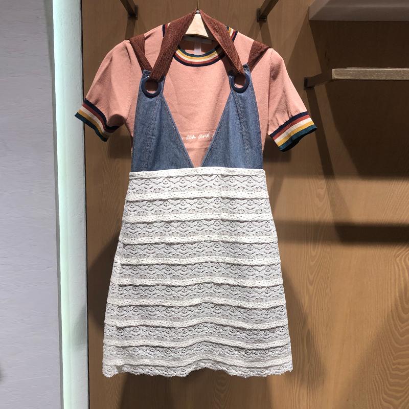 白色吊带连衣裙 地素大使2018夏装新款v领修身牛仔蕾丝拼接褶皱吊带连衣裙3F2O251_推荐淘宝好看的白色吊带连衣裙