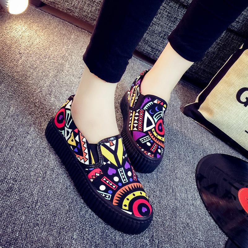 涂鸦帆布鞋 夏季涂鸦平底休闲花布鞋女2018新款韩版百搭学生个性一脚蹬帆布鞋_推荐淘宝好看的女涂鸦帆布鞋
