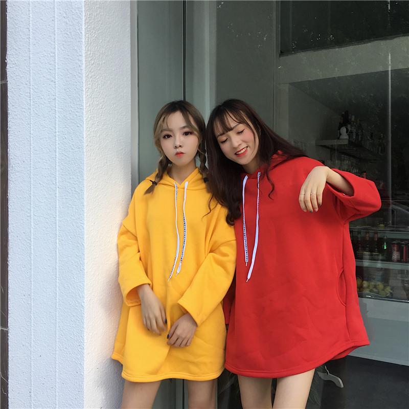 红色卫衣 女装韩版小清新学院风休闲显瘦连帽宽松口袋套头长袖卫衣女潮_推荐淘宝好看的红色卫衣
