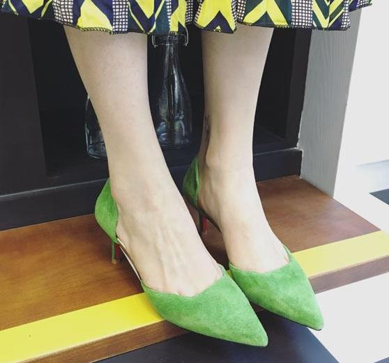 绿色高跟鞋 春秋新款磨砂猪皮真皮中空女鞋显白绿色橙色ol高跟鞋细跟尖头单鞋_推荐淘宝好看的绿色高跟鞋