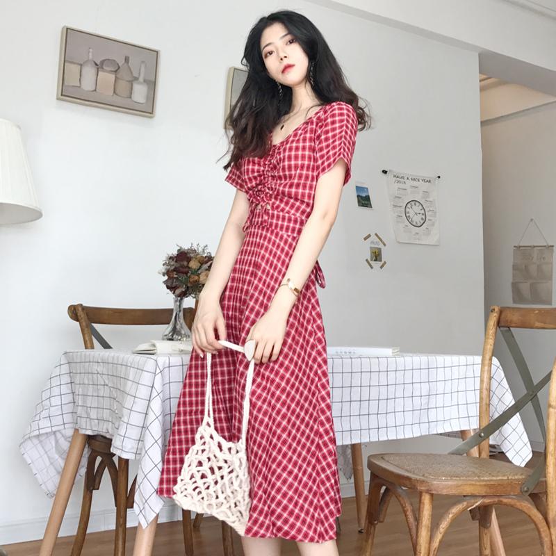 红色连衣裙 新款V领抽绳露腰小心机收腰显瘦设计感百搭中长款时尚格子连衣裙_推荐淘宝好看的红色连衣裙