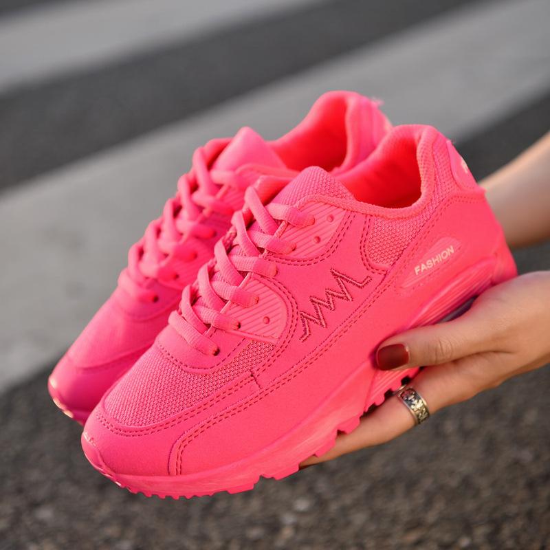 粉红色运动鞋 春夏季新款透气运动鞋网布跑步鞋平底休闲学生百搭女孩穿骚粉红色_推荐淘宝好看的粉红色运动鞋