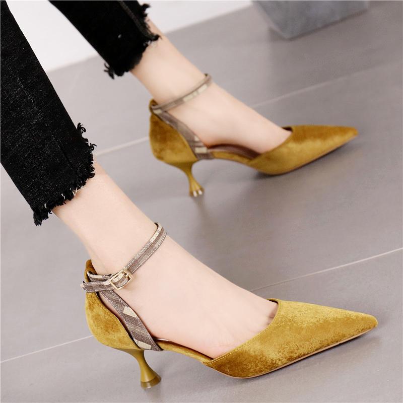 黄色单鞋 欧美时尚黄色尖头绒面细跟中跟鞋百搭一字扣带拼色中空小跟单鞋女_推荐淘宝好看的黄色单鞋
