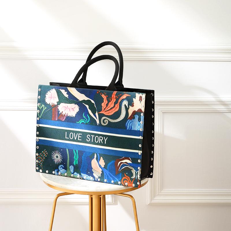 印花手提包 ins超火帆布印花包包女2018新款时尚单肩手提包chic大容量托特包_推荐淘宝好看的女印花手提包