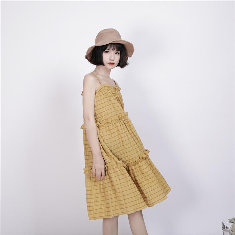 黄色连衣裙 小葱良裁原创自制宽松格子连衣裙节节蛋糕吊带裙_推荐淘宝好看的黄色连衣裙