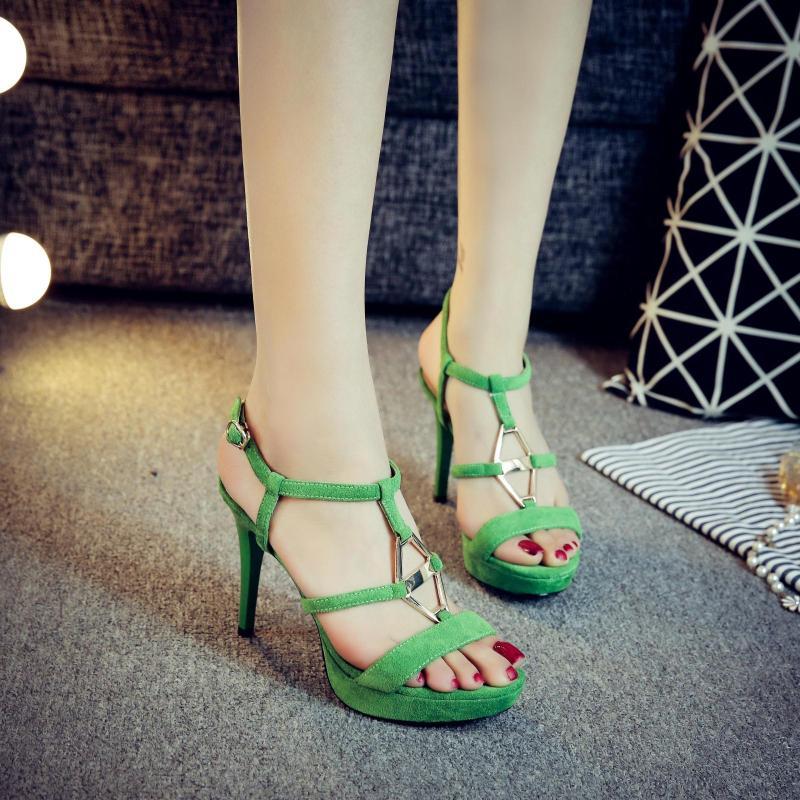 绿色凉鞋 10cm性感凉鞋细跟超高跟金属时尚凉鞋绿色显瘦防水台女白高跟凉鞋_推荐淘宝好看的绿色凉鞋